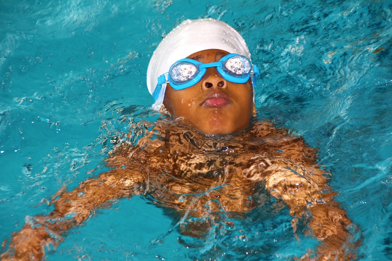 swimming-course-619088_1280.jpg
